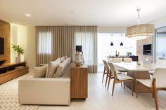 Com 160 m², este apartamento no bairro da Vila Olímpia retrata no décor o estilo de vida de um casal jovem, que adora receber e que não abre mão de um ambiente clean e prático para o dia a dia.