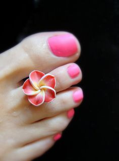 Ravishing Red Polymer Flower Stretch Bead Toe Ring  by FancyFeetBoutique, $6.00 Beautiful Toes, Pretty Toes, Leg Finger Ring, Toe Ring Designs, Pedicure At Home, Body Jewelry, Feet Jewelry, Jewlery, Polymer Clay Flowers