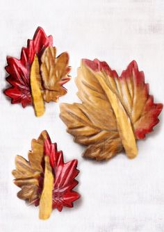 Vintage Celluloid Leaf Buttons