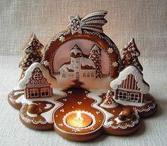 Mézeskalács művészet   Mosolyszendvics Christmas Gingerbread House, Christmas Treats, Christmas Baking, Christmas Cookies, Christmas Holidays, Gingerbread Houses, Xmas, Gingerbread Decorations, Gingerbread Cookies