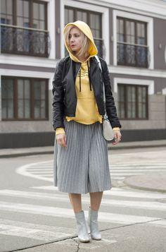 Women's Day – ana-looka Midi Skirt, My Style, Skirts, Women, Fashion, Moda, Midi Skirts, Fashion Styles, Skirt