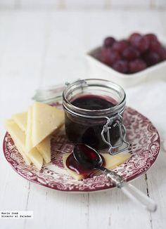 Cuando descubráis cómo hacer mermelada de vino tinto os quedaréis sorprendidos de lo fácil y rápido que resulta, como me ocurrió a mí al verla en el blog de ...