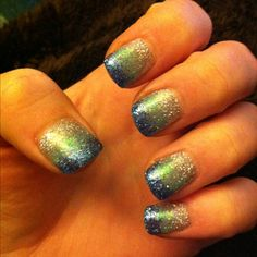 My nails right now = shellac + loose glitter :)