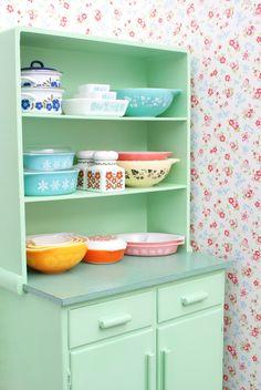 MessyJesse - a quilt blog by Jessie Fincham: Vintage Cabinet