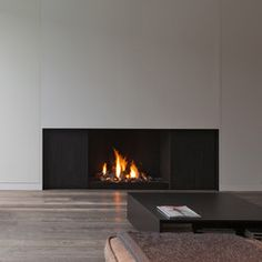 Design and technology Metalfire's gas-burning open fireplaces bring a minimalistic design fitted with an intelligent protection. They couple taut..