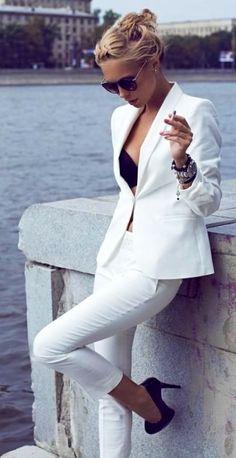WHITE SMOKING