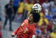 サッカーW杯ブラジル大会(2014 World Cup)準々決勝、アルゼンチン対ベルギー。ヘディングするベルギーのマルアン・フェライニ(Marouane Fellaini、2014年7月5日撮影)。(c)AFP/MARTIN BUREAU ▼6Jul2014AFP|アルゼンチン、ベルギーを下し1990年以来の4強入り http://www.afpbb.com/articles/-/3019757 #Brazil2014 #Argentina_Belgium_quarterfinal