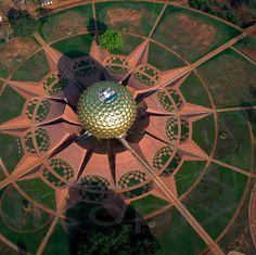 Center arrival area, for pattern/ geometry (auroville inspiration) India Architecture, Beautiful Architecture, Landscape Architecture, Pondicherry, Auroville India, Haiti, Bay Of Bengal, South India, Birds Eye View