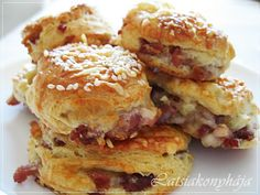 Appetisers, Salmon Burgers, Bacon, Food And Drink, Pizza, Eat, Cooking, Breakfast, Ethnic Recipes
