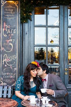 A photo session in Paris can be a romantic thing to do in all seasons...