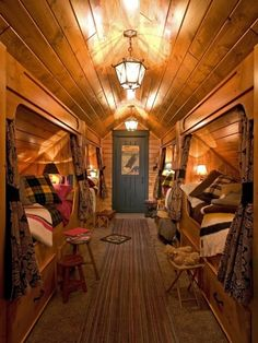 Cabin bedroom. This looks awesome!
