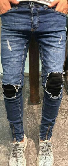 What is Ripped Jeans ?, Ripped Jeans is a trend that has gained popularity from the where it was originally known as distressed jeans. Ripped Jeans Men, Denim Pants, Denim Men, Trousers, Style Masculin, Zara Man, Denim Fashion, Men Casual, Menswear