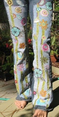 ☮ American Hippie Bohéme Boho Style ☮ Embroidered Jeans