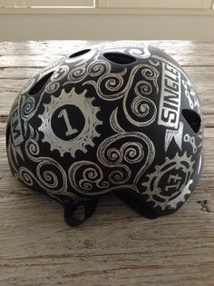 Side View of Cycology's Single Speed Helmet design. Cycling T Shirts, Cycling Wear, Cycling Helmet, Cycling Outfit, Harley Gear, Helmet Accessories, Helmet Paint, Custom Helmets, Bobber Chopper
