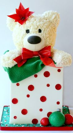 Teddy Present Cake