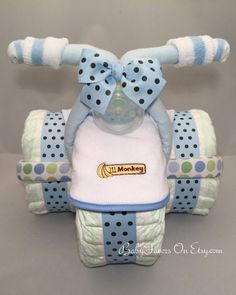 Tricycle Diaper Cake in Many Colors - Great gift or centerpiece for Baby Shower . - Tricycle Diaper Cake in Many Colors – Great gift or centerpiece for Baby Shower Tric - Idee Baby Shower, Shower Bebe, Baby Shower Diapers, Baby Shower Games, Baby Shower Parties, Baby Boy Shower, Baby Shower Gifts For Boys, Baby Showers, Diy Shower