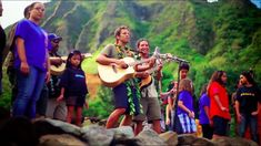 John Cruz and Jack Johnson team up for a simply beautiful, and beautifully simple song that is sure to leave you smiling! They are joined by many talented ar. Friends Youtube, Little Bit Of Love, Jack Johnson, Sight & Sound, Sing To Me, Types Of Music, Musical Theatre, Hawaii, Things To Come