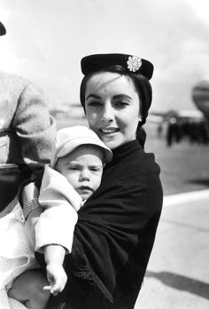 Elizabeth Taylor with son Michael, 1953.  @beadpoet ...still looks the same!
