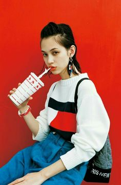 Mizuhara Kiko was born on October 1990 in Dallas, Texas, USA, as an actor and model.   In she became the exclusive model of the fashion magazine Foto Fashion, Estilo Fashion, Asian Fashion, 90s Fashion, Fashion Outfits, Womens Fashion, Fashion Trends, Fashion Clothes, Fitness Fashion