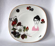 Vintage taartschaal Hélène tussen rozen van celindaversluis op Etsy, €39.00