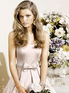 Wedding Hair Down - very popular day-to-day hairstyle too. Pretty pink wedding dress also featured in this picture. Cute Bridesmaid Dresses, Bridesmaid Hair, Bridesmaids, Wedding Hair Down, Wedding Hair And Makeup, Wedding Beauty, Dress Wedding, Hair Makeup, Down Hairstyles