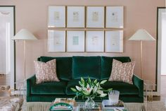 Green Apartment, Living Room Green, Contemporary Living Room, Boho Living Room, Velvet Living Room, Green Sofa Living Room, Velvet Sofa Living Room, Couches Living Room, Green Couch Living Room