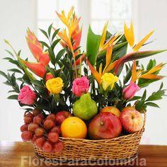 Regalo 10 Basket Flower Arrangements, Vase Arrangements, Flower Vases, Gift Hampers, Gift Baskets, Diy And Crafts, Arts And Crafts, Deco Floral, Beautiful Flowers