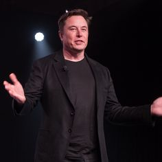 Elon Musk Spacex, Elon Musk Tesla, Tesla Ceo, Tesla Factory, Kentucky Colleges, Foto Doctor, The Verge, Vida Real, Travel