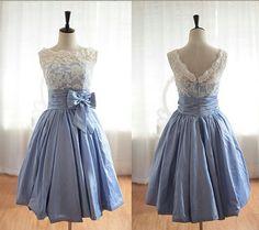 2014 Lace Bridal Prom Dress Knee Length Wedding Prom Gowns V Back Bridesmaid Dress Short Evening Dresses Custom on Etsy, $89.00  Homecoming?