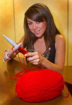 Welsh singer songwriter Lisa Scott Lee - knitting with BIG needles