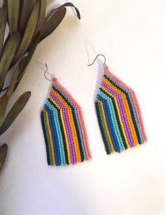 Beaded Earrings Patterns, Seed Bead Patterns, Jewelry Patterns, Beading Patterns, Bracelet Patterns, Jewelry Ideas, Diy Jewelry, Beaded Earrings Native, Handmade Jewelry