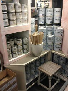 VerfSalon by La PéCule in Hardinxveld-Giessendam #anniesloanchalkpaint #anniesloanstockist #anniesloan   🎨🖌 Altijd alle verfkleuren 1000ml / 250ml en aanverwante producten op voorraad, Van ❤ te welkom! Info@lapecule.nl