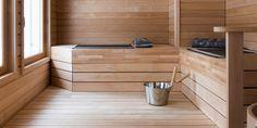 Valkoinen kylpyhuone ja tilava sauna │ Laattapiste #kylpyhuone #valkoinen #laatta #kylpyhuoneremontti #saunaremontti Sauna, Bathtub, Bathroom