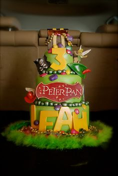 Peter Pan cake! Yupp I want this.