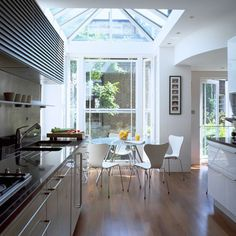 Conservatory and glass extension ideas Conservatory Kitchen, Conservatory Design, Glass Extension, Extension Ideas, Extension Google, Side Extension, Sweet Home, Interior Windows, House Siding
