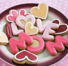 Cute and simple Mother's Day cookies.