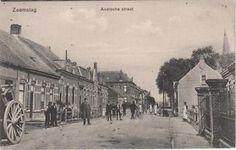 Zaamslag Axelsche straat. Uitgever: J. M. De Vos Zaamslag.