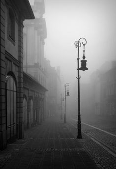 Essential Tips and Ideas – Black and White Photography Dark Photography, Black And White Photography, Street Photography, Monochrome Photography, Black And White City, Black And White Aesthetic, Photography Essentials, Gothic Aesthetic, Fantasy Landscape
