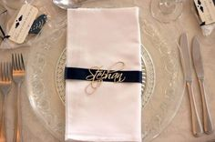 Wooden guest names. Wedding table decor
