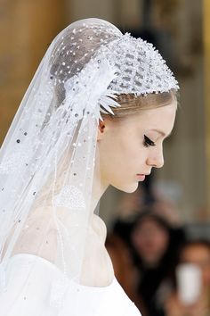 Wedding dress inspiration from the couture catwalks - Georges Hobeika Spring 2016 Haute Couture Wedding Hats, Headpiece Wedding, Wedding Veils, Bridal Headpieces, Bridal Hair, Wedding Dress Accessories, Vintage Bridal, Bridal Looks, Beautiful Gowns