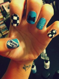 Alice in Wonderland nails  I bet Lisa could help me with this