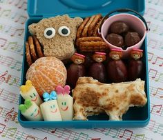 Cute farm-themed bento- this makes even my brain HURT!! WOW!! Lmbo!!!!