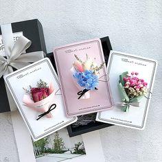 Pressed Flower Art Diy Greeting Card 66 Ideas For 2019 Paper Flowers Diy, Flower Cards, Simple Birthday Cards, Flower Packaging, Pressed Flower Art, Greeting Cards Handmade, Envelopes, Creations, Decoration