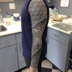 https://www.tattoodo.com/a/2015/03/color-and-white-ink-over-blackwork-tattoos/