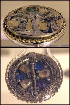 Medallion-reliquary, Paris, around 1370-80 | by Kotomi_
