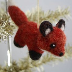 Woodland Fox Needle Felted Christmas by BarnSwallowHandmade.  Oh, so dang charming.
