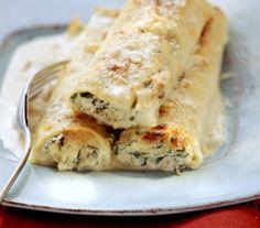 Cannelloni ze szpinakiem i ricottą - Przepisy.Cannelloni ripieni, czyli rurki ze szpinakiem i twarogiem to klasyk kuchni włoskiej. Łatwe, pyszne i efektowne.  Cannelloni ze szpinakiem i ricottą to przepis, którego autorem jest: Magda Gessler Ricotta, Eat Smarter, Spanakopita, Lasagna, Cauliflower, Turkey, Pasta, Cheese, Chicken