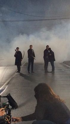 Pretty sure Colin is holding/shielding Jared in these BTS photos.. having Hook as dad figure feels...