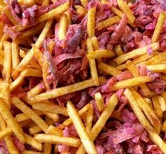 Rote-Bete-Salat mit Chips und Mandeln Food Porn, Snacks, Hot Dogs, Cabbage, Chips, Beef, Chicken, Vegetables, Ethnic Recipes