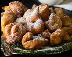 Ποντιακά ωτία Food Categories, Greek Recipes, Pretzel Bites, Sausage, Bread, Cooking, Sweet, Desserts, Baking Center